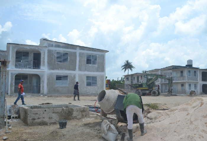 viviendas, construcción, huracán Irma, Alberto