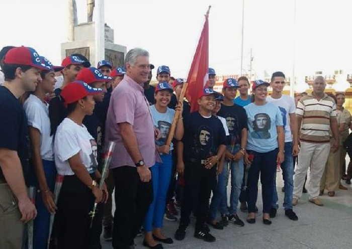 cuba, granma, miguel diaz-canel, jovenes cubanos