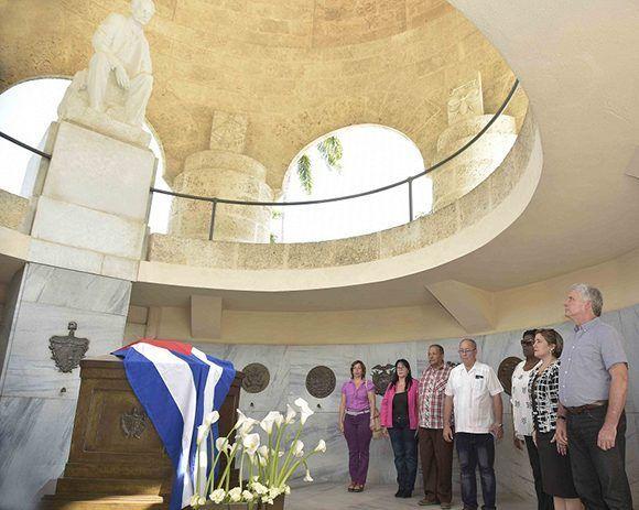 santiago de cuba, cementerio santa ifigenia, #fidelporsiempre, miguel diaz-canel bermudez, jose marti