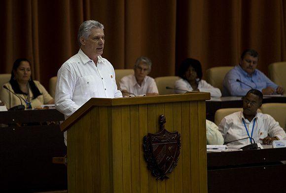 Díaz-Canel, Cuba, Parlamento, constitución