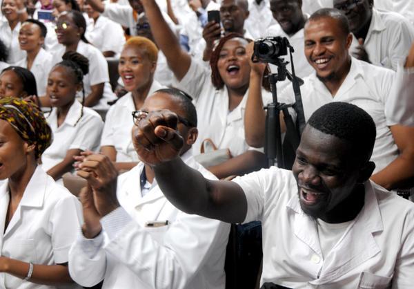 Cuba, Sudáfrica, salud, médicos