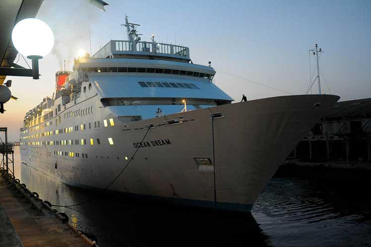 cuba, barco de la paz, japon