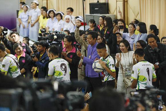 tailandia, niños tailandeses, cueva, rescate