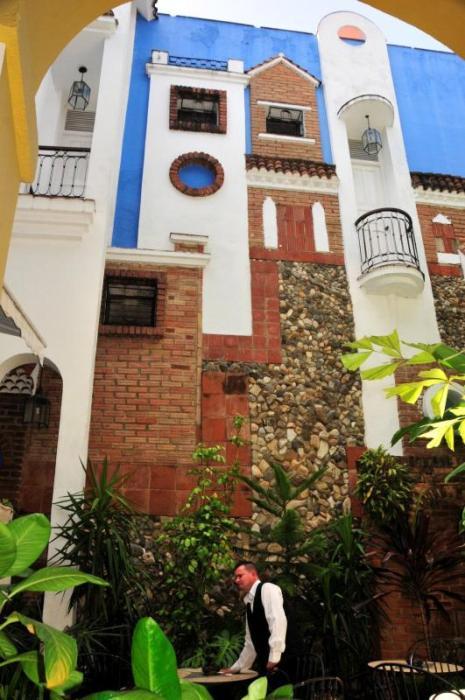sancti spiritus, consejo provincial de artes plásticas, artes plásticas, murales, patrimonio cultural, esculturas