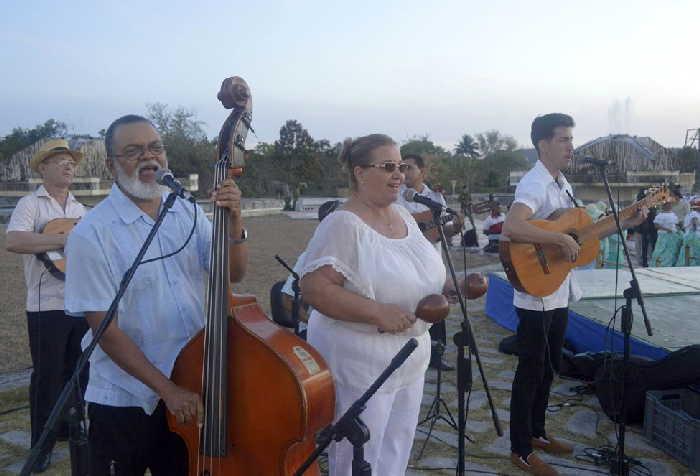 sancti spiritus, punto cubano, parque de feria delio luna echemendia