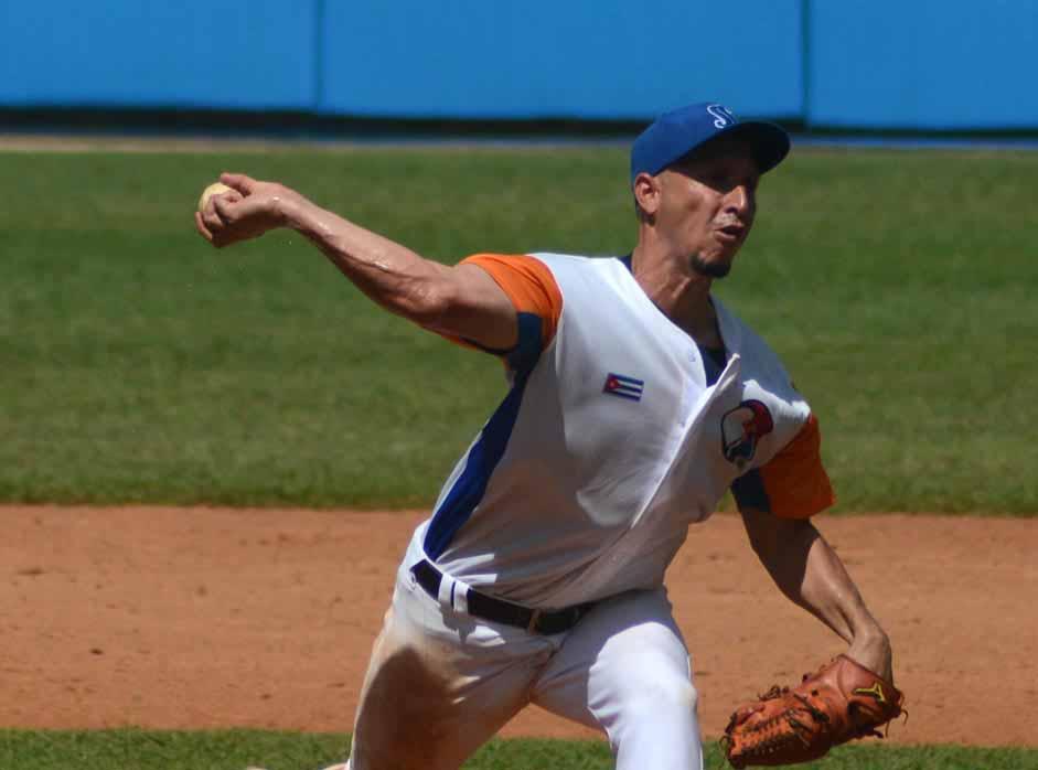 Gallos, béisbol, Yoen Socarras