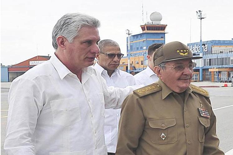 Díaz-Canel, Raúl Castro, Aeropuerto La Habana