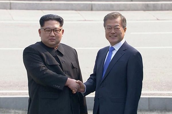 Las dos Coreas pactan eliminar toda amenaza de guerra — Histórico