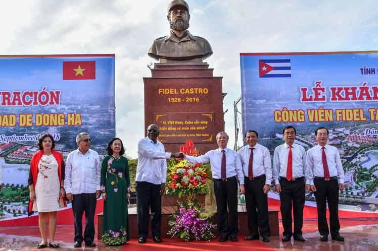 Vietnam, Plaza, Fidel Castro