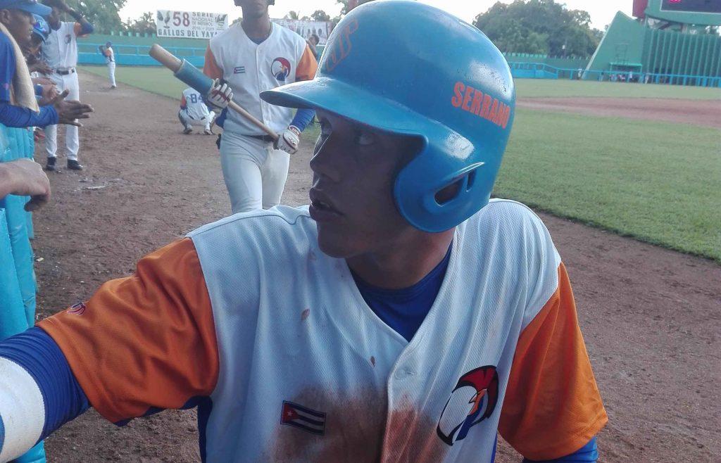 Béisbol, Gallos, Luis Dariel Serrano