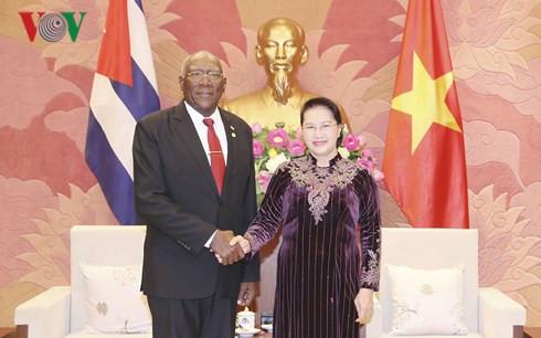 Vietnam, Cuba, Salvador Valdés