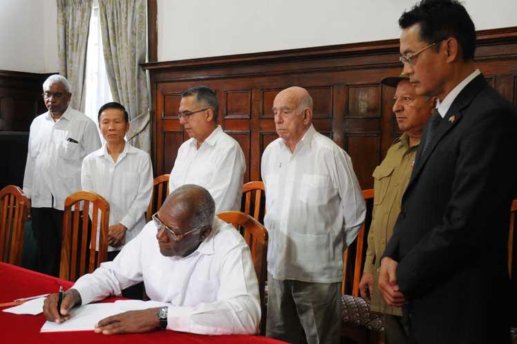 Cuba, Vietnam, condolencias