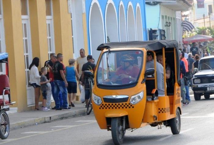 mototaxi, pasajeros, transporte, Sancti Spíritus