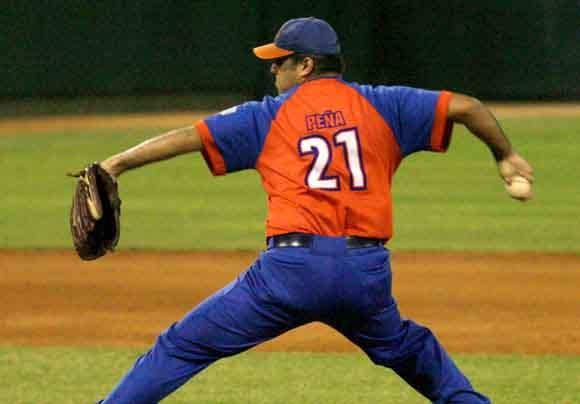 Béisbol, Gallos, Ángel Peña