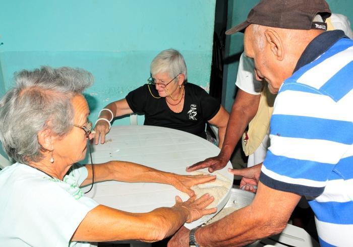 sancti spiritus, ministerios de trabajo y seguridad social, jubilados