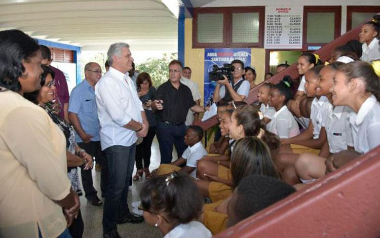 cuba, dia del educador, educacion, miguel diaz-canel, presidente de cuba