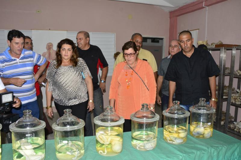 sancti spiritus, obras sociales, revolucion cubana, una sola revolucion, yutong, transporte