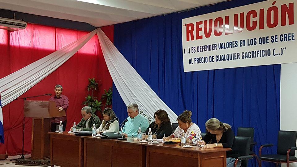Presidente cubano exhorta a generalizar en el país la cultura informática