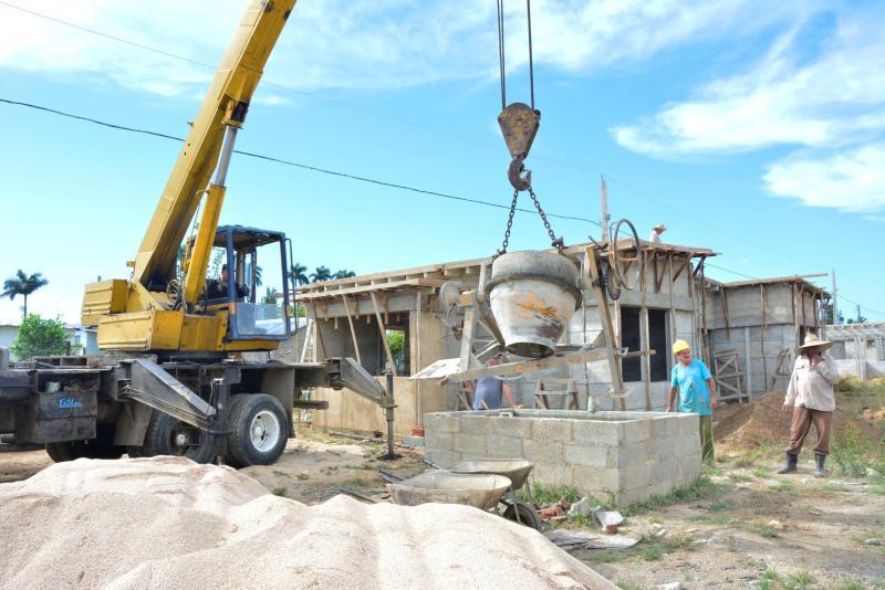 sancti spiritus, yaguajay, huracan irma, consruccion de viviendas