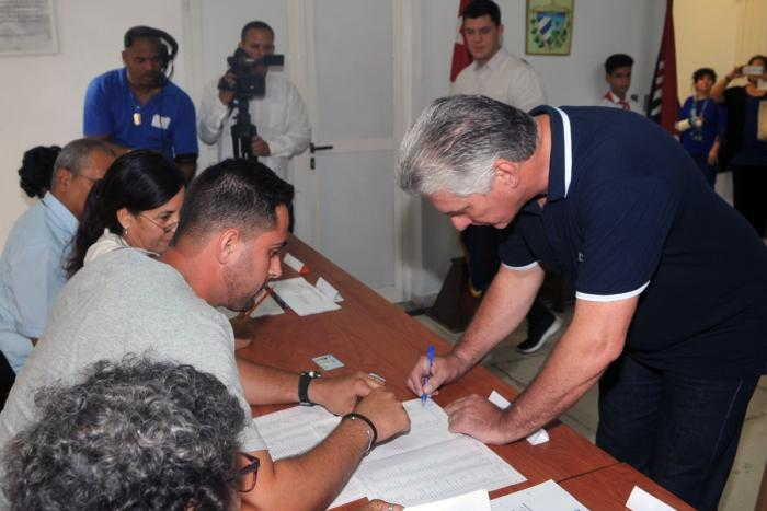 cuba, constitucion de la republica, reforma constitucional, referendo constitucional en cuba, presidente de cuba, miguel diaz-canel