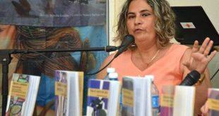 Literatura, Yanetsi Pino