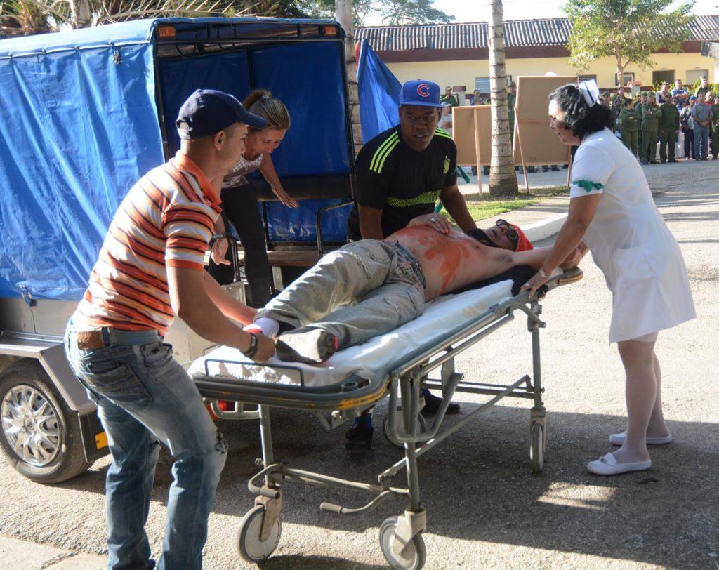 La evacuación de heridos a causa de ataques enemigos fue una de las acciones prácticas desarrolladas en el Día Territorial de la Defensa.