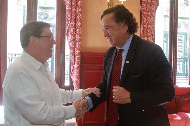 Bruno y Richardson intercambiaron sobre amenazas actuales a las relaciones entre Cuba y EE.UU. (Foto: PL)