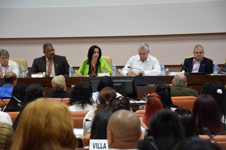 Durante la reunión se abordó el contexto que representa la nueva carta magna cubana. (Foto: Twitter Fiscalía de Cuba)