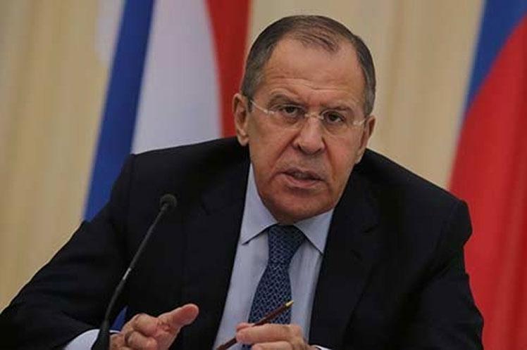 La manía de dictar todo a todos no traerá nada bueno, advirtió Lavrov.
