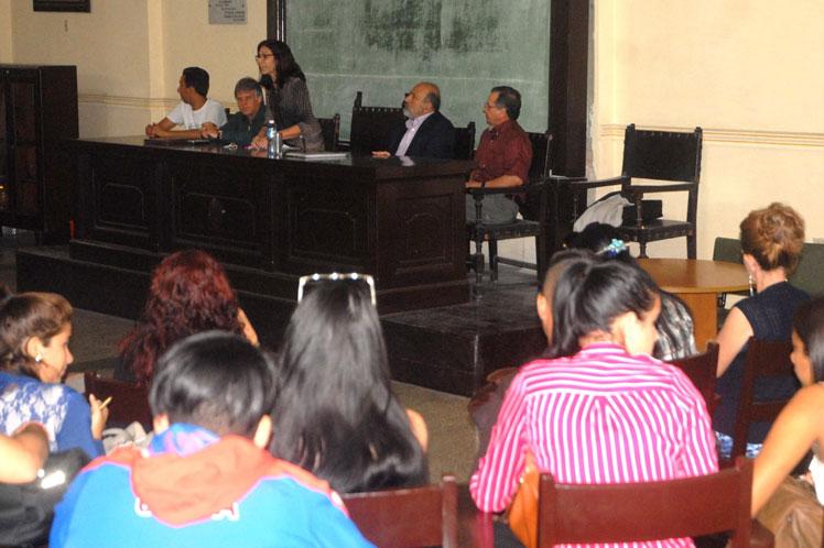 Luiz Greenhalgh, abogado de Lula, ofreció una conferencia magistral en la casa de altos estudios. (Foto: PL)