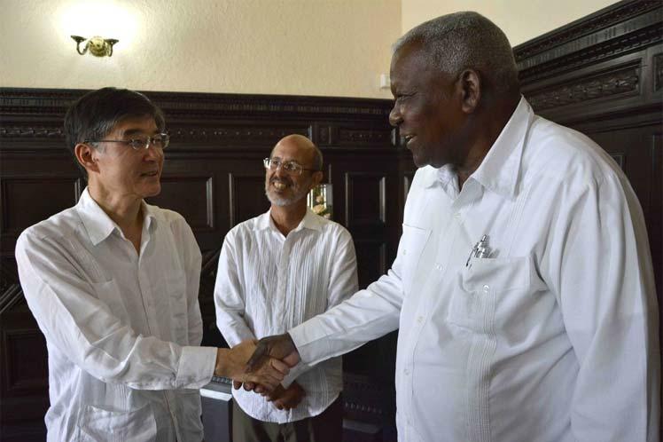 El embajador Fujimura exhortó a estrechar los lazos entre ambas naciones. (Foto: PL)