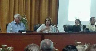 Parlamento, leyes, Ana Mari Machado
