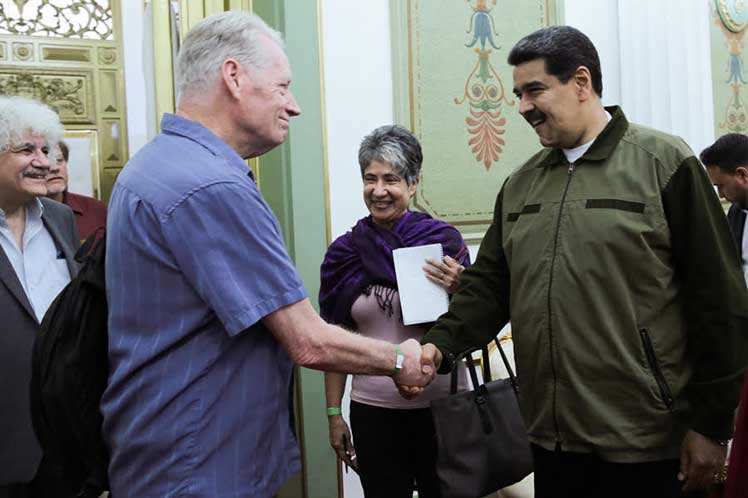 Los activistas condenaron la injerencia del Gobierno de Trump contra institucionalidad de Venezuela. (Foto: PL)