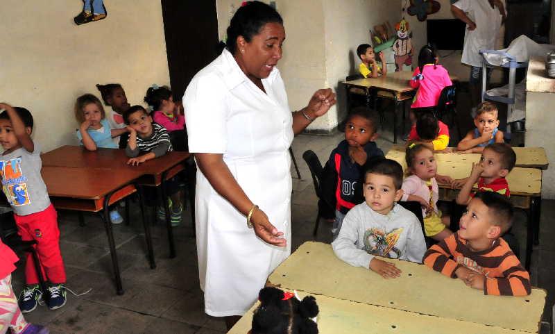 sancti spiritus, fmc, federacion de mujeres cubanas, enfermeria, circulo infantil