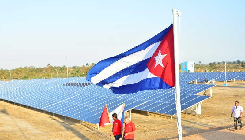 En el municipio de Yaguajay se han construido tres parques solares. (Foto: Vicente Brito / Escambray)