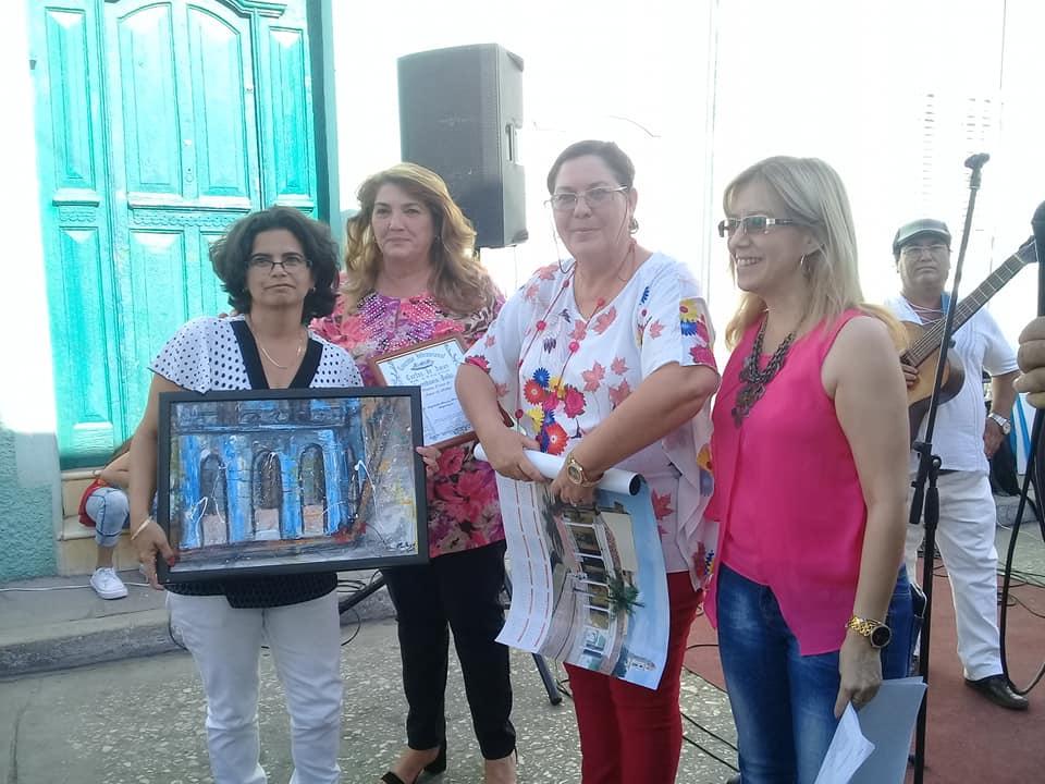 Elizabet Álvarez, de Mayabeque, ganó el apartado especial del certamen. (Fotos: Facebook de Cultura espirituana)