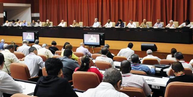 cuba, presidente de cuba, miguel diaz-canel, consejo de la administracion, produccion de alimentos, atencion a la poblacion, economia cubana