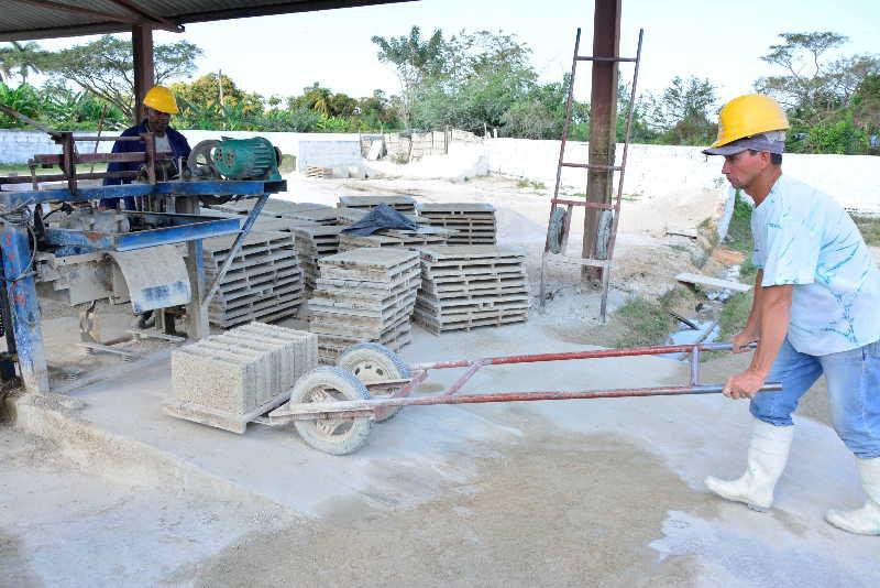 sancti spiritus, materiales de la construccion, construccion, industrias locales, minindustria