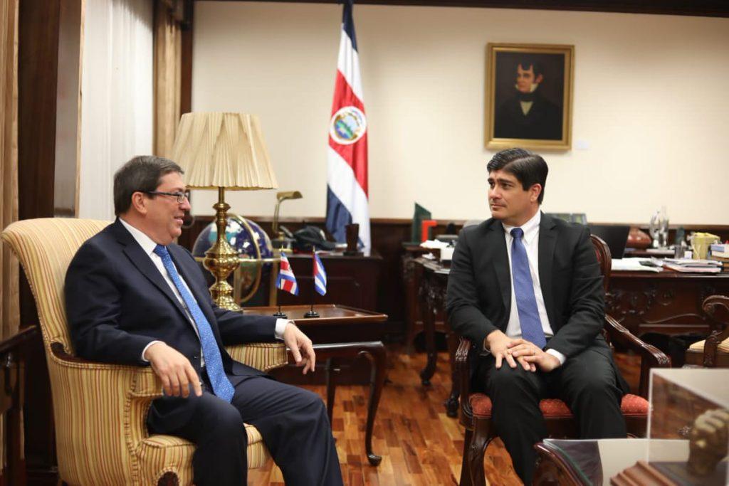 Durante el encuentro se constató la marcha favorable de las relaciones bilaterales. (Foto: @Cubaminrex)