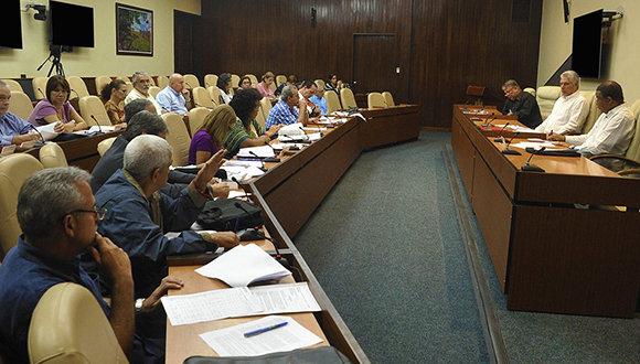 El alto grado de envejecimiento de la población cubana y su decrecimiento resultan preocupaciones priorizadas en la agenda gubernamental. (Foto: PL)