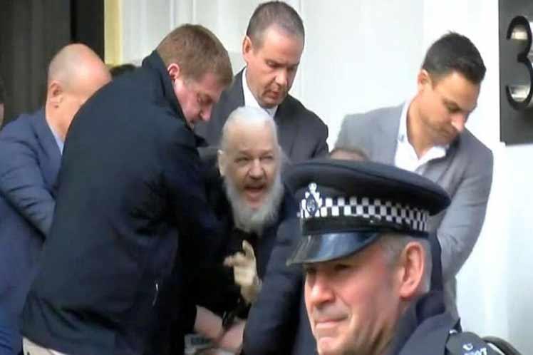 julian assange, wikileaks, ecuador, lenin moreno