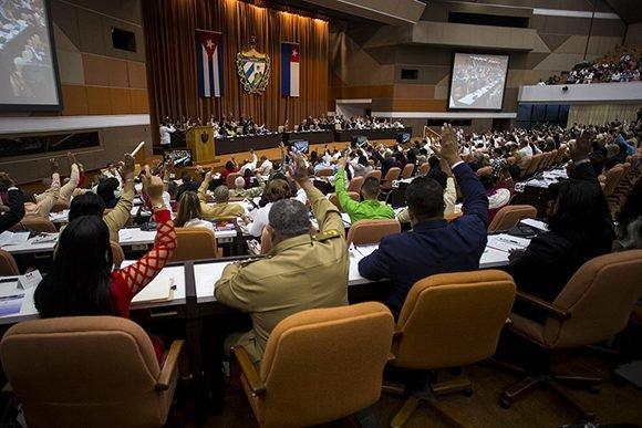 El Parlamento cubano aprobó una declaración de condena a la política hostil del gobierno de EE.UU. contra la isla. (Foto: PL)
