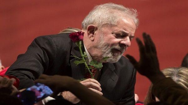 """""""Ninguna pena reducida es justa para un hombre que no cometió ningún crimen"""", aseguró Lula. (Foto: EFE)"""