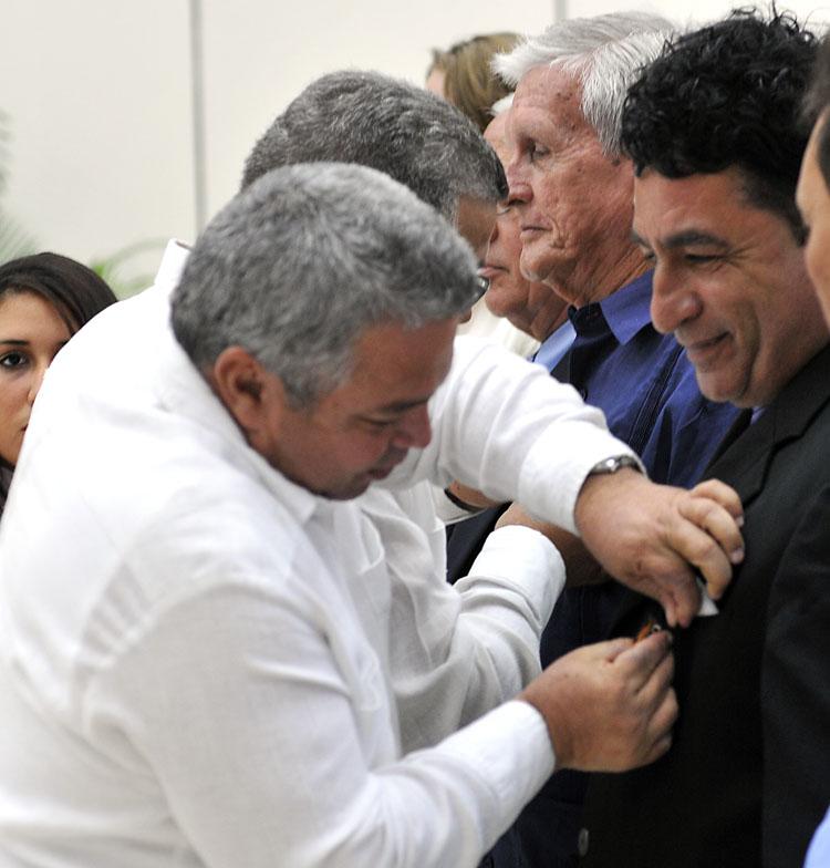 El espirituano Ramón Conrado figuró entre los condecorados en una ceremonía en la que también se reconoció a la UEB Ángel Montejo. (Fotos: José Raúl Rodríguez Robleda)