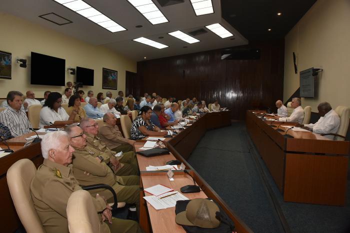 La sesión estuvo encabezada por el presidente Miguel Díaz-Canel. (Foto: Estudios Revolución)