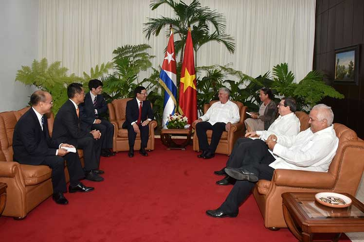Entre las notas destacadas de la jornada, figuró el encuentro del canciller vietnamita con el presidente Miguel Díaz-Canel. (Foto: PL)
