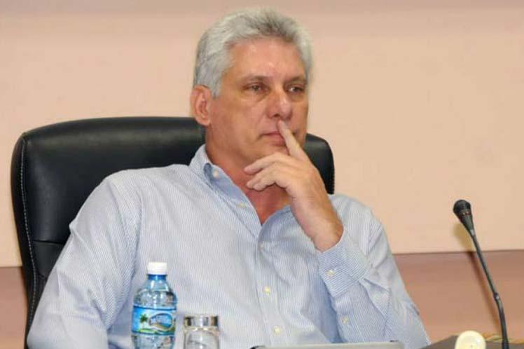Díaz-Canel fue informado acerca de diversos proyectos relacionados con la informatización de la sociedad.