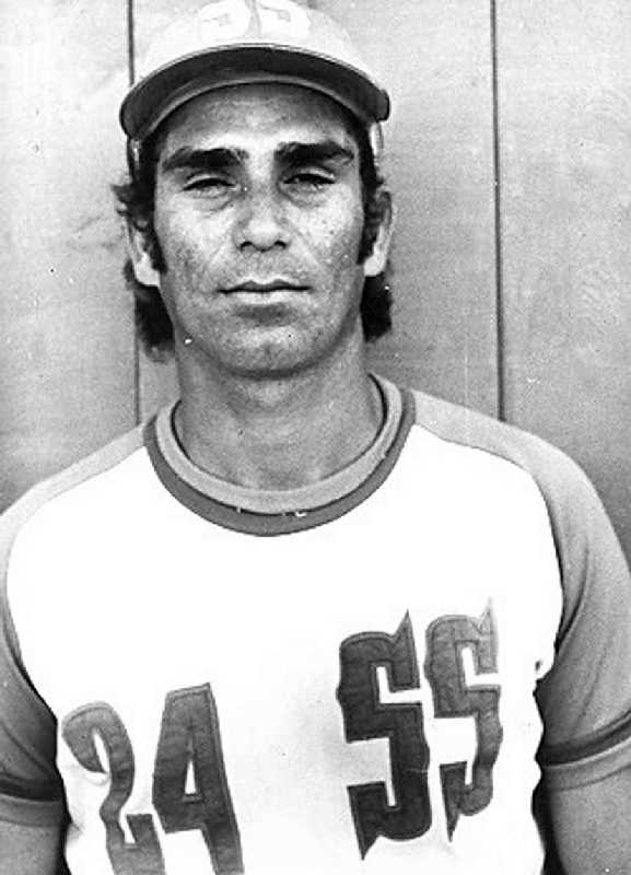 Tony Simó solo jugó seis Series Nacionales.
