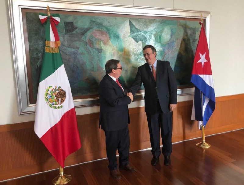 Acuerdan cancilleres de México y Cuba fortalecer relaciones