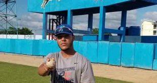 Béisbol sub 23, Gallitos, Roberto Hernández